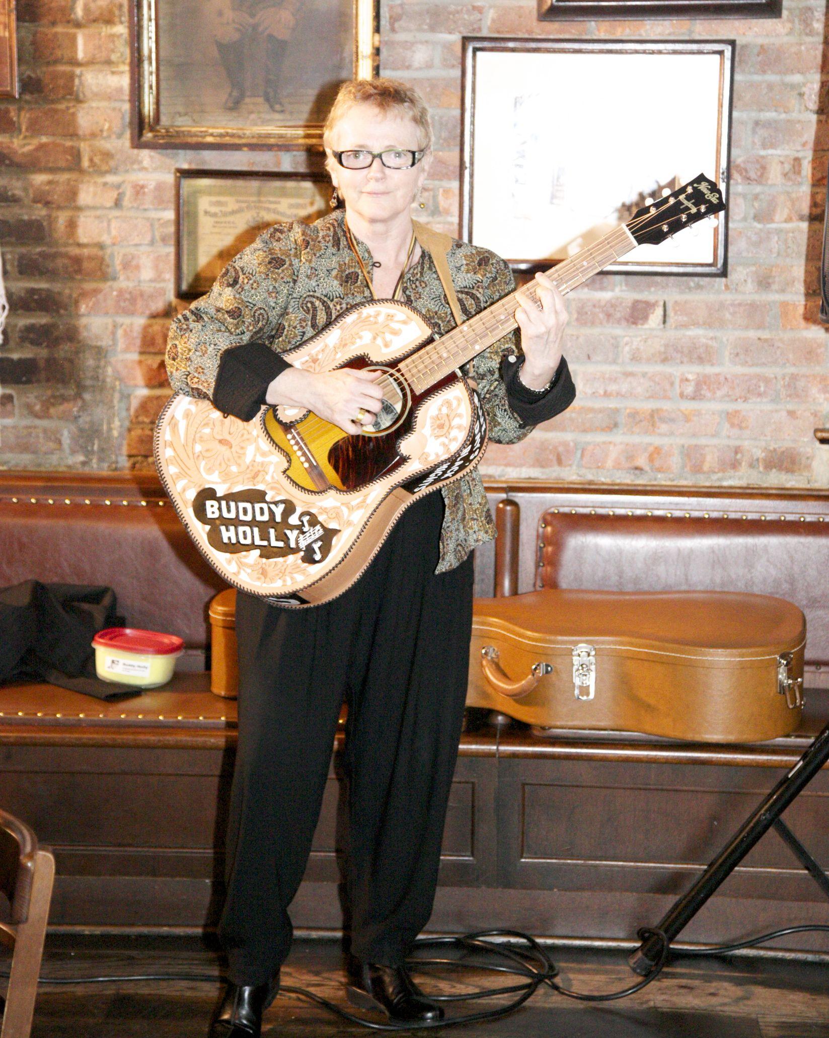 Buddy Holly Guitar Regan mccarthy and buddy holly Buddy Holly Electric Guitar